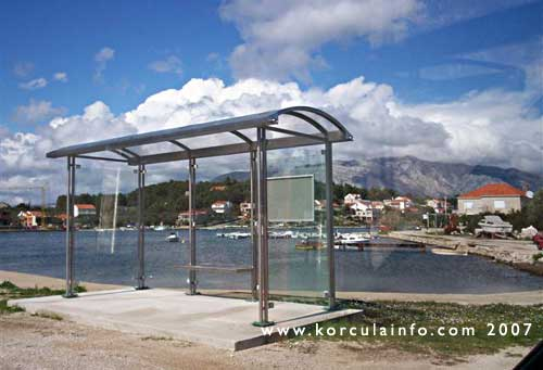 lumbarda-bus-stop1.jpg