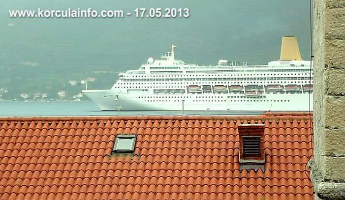 P&O Cruises - Oriana cruise ship arriving in Korcula port