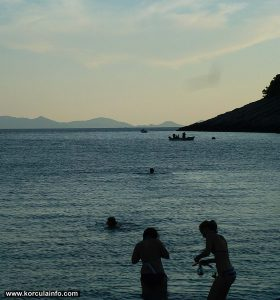 Sunset swimmers @ Pupnatska