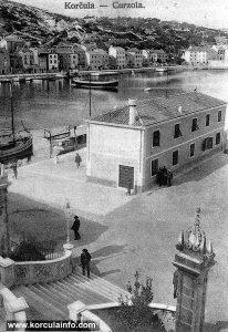 Top of Pillar near Loggia in 1915