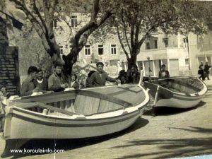 Plokata (1950s) with shipbuilders