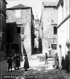 Street scene at the Square: Trg Antuna i Stjepana Radica (1890)