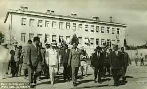 Shipyard visitors in 1958