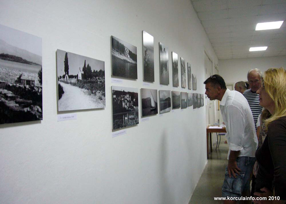 Old Photos at the Exhbition, Lumbarda