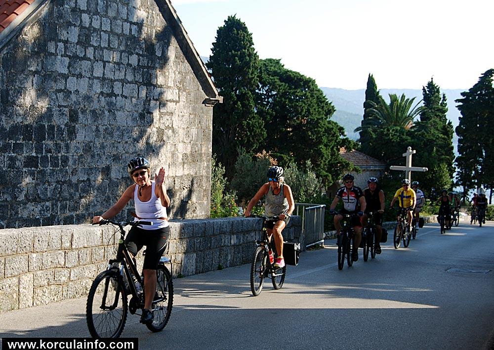 cyclists-korcula2014c