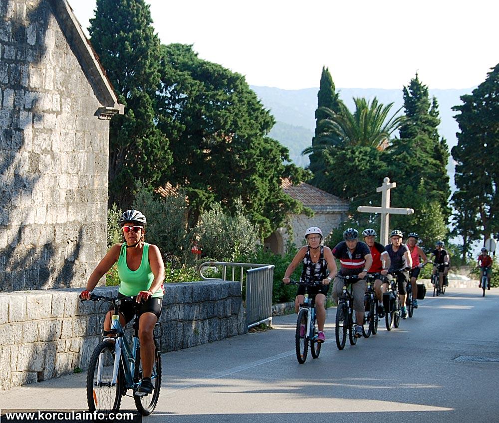 cyclists-korcula2014d