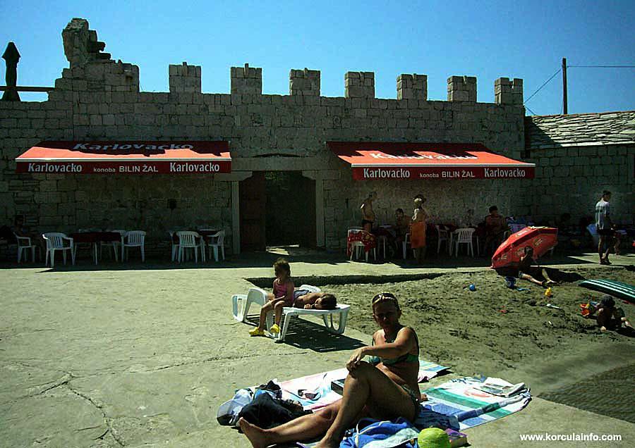 Konoba at Sandy Beach Bilin Zal