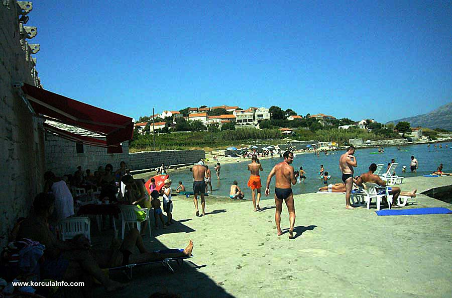 Summer at Bilin Zal Beach, Lumbarda