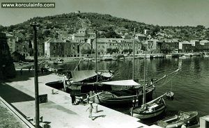 Boats in the port (1950s)
