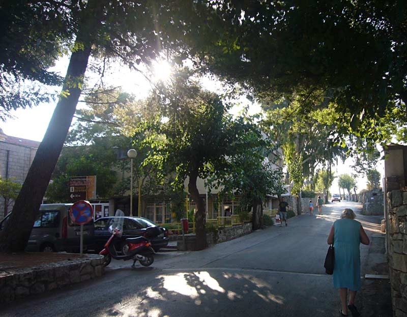 Road of Lumbarda