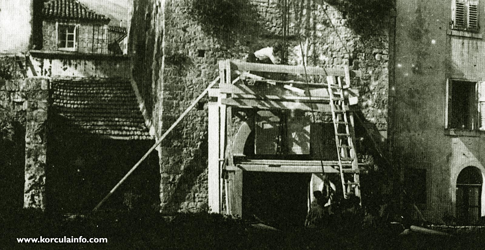 Erecting the plaque in 1925 - In memory of the coronation of King Tomislav,Korcula