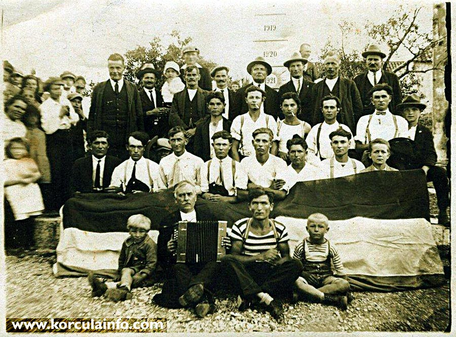 Group of People from Zrnovo in 1920s