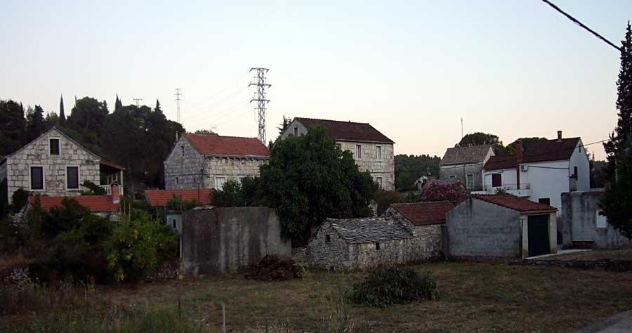 Stone houses in Zrnovo