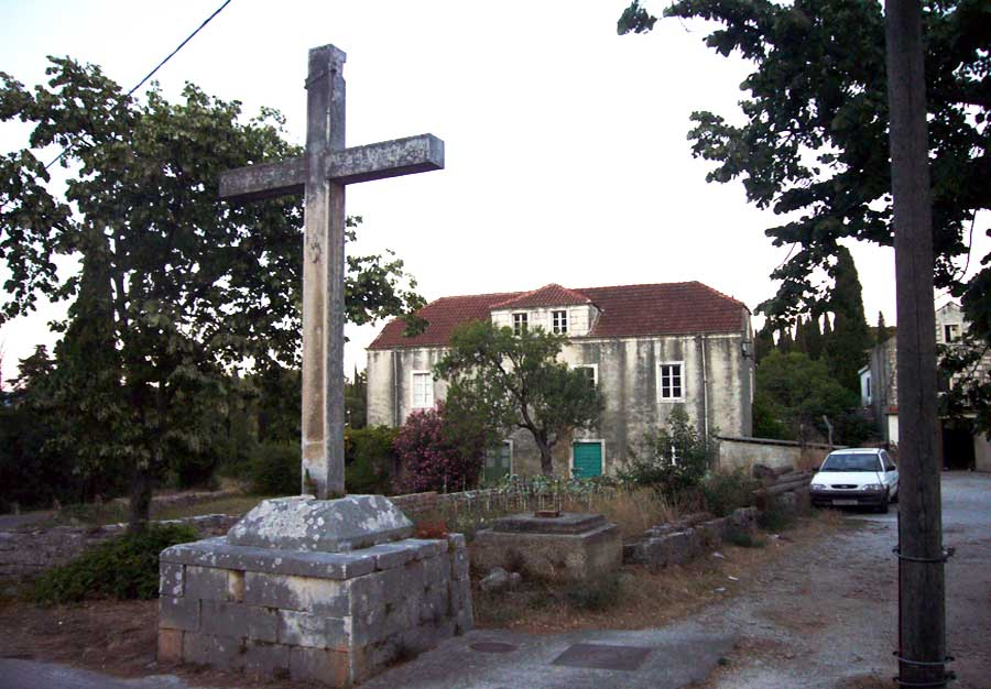 Cross at the entrance to Prvo Selo, Zrnovo