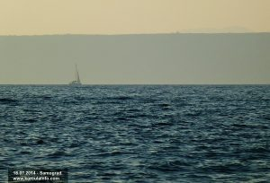 Sailing Boat passing by Samograd