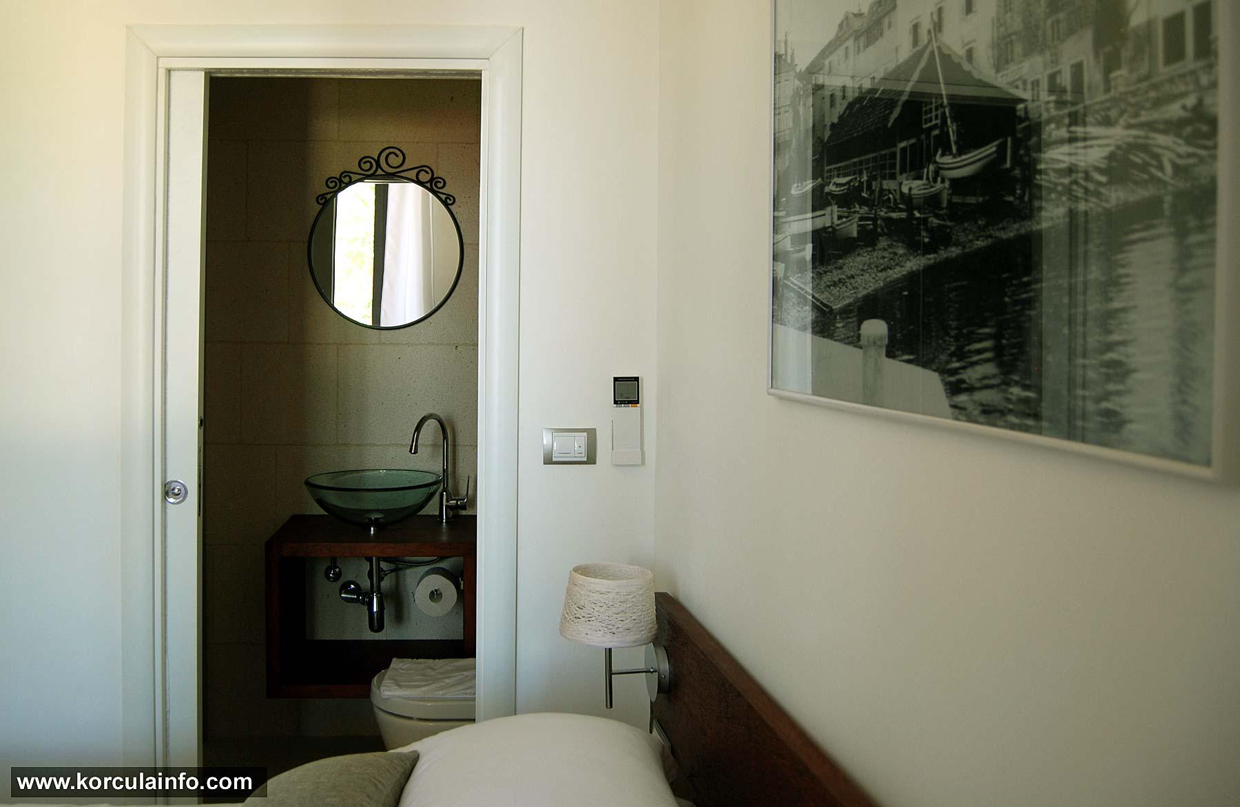 En suite bathroom -Double Room - Hotel Fabris, Korcula
