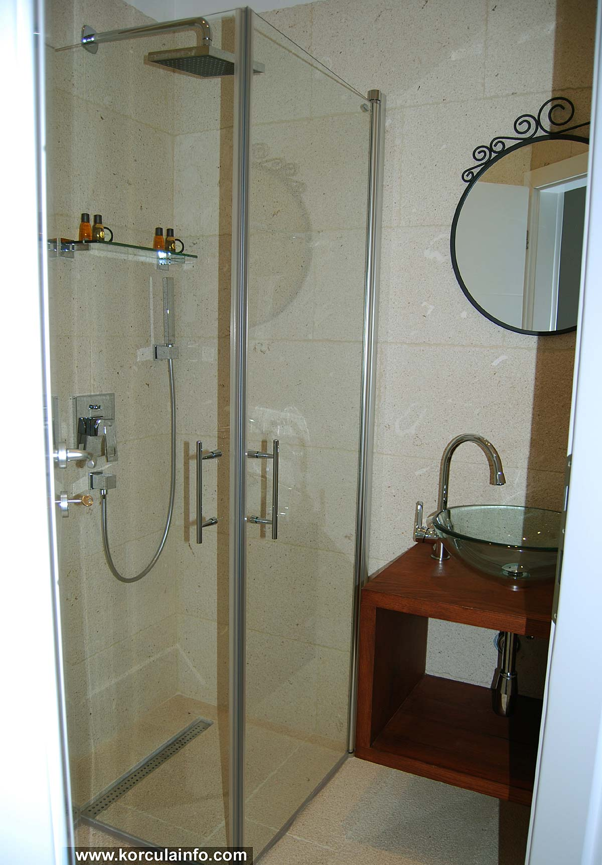 En suite Shower Room @ Double Room in Hotel Fabris, Korcula