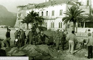 Laying down the asphalt in front of Hotel Korcula in 1958