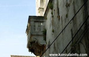 Balcony of Španić Palace (palača Španić) in Korcula
