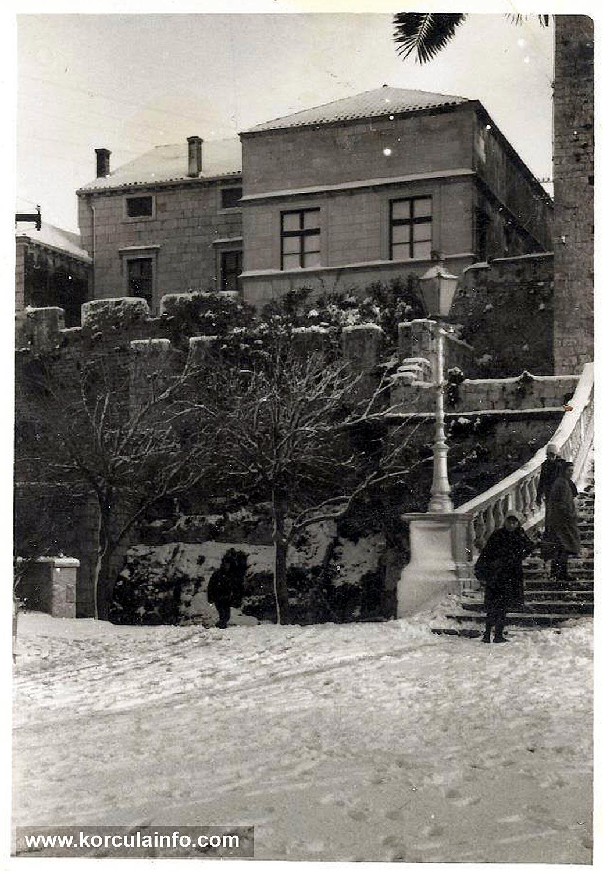 Snow in Korcula - Opcina, Vrata od grada, Revelin (1963)