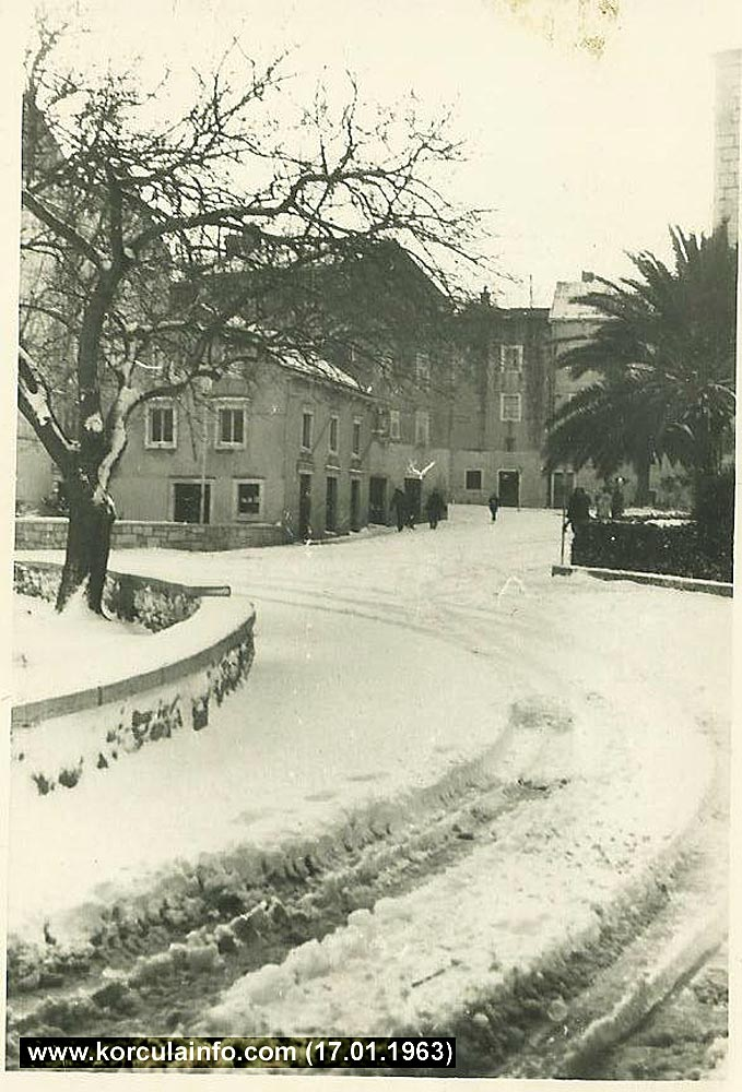 Snow in Plokata - Korcula (1963)