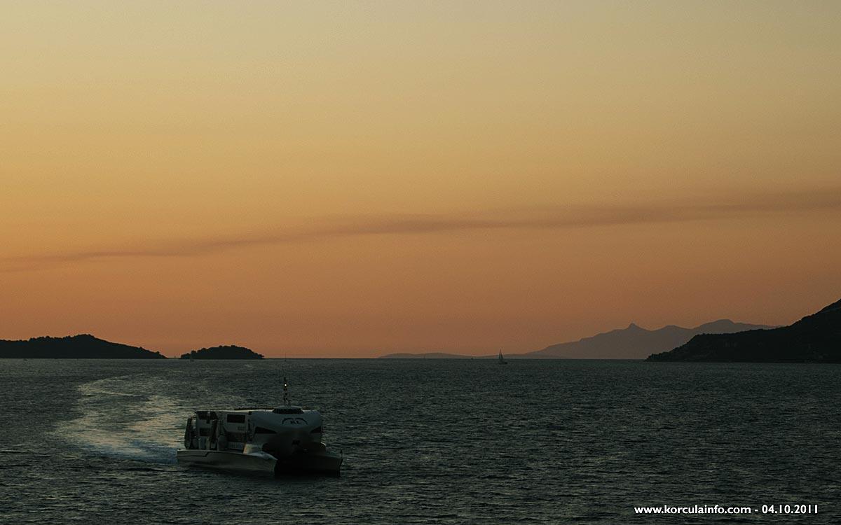Catamaran Krilo Jet approaching Korcula port