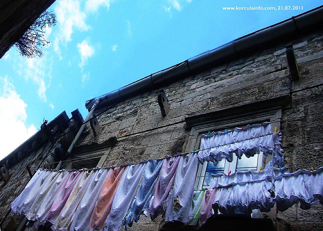 Washing Line in Korcula Old Town - Tiramol