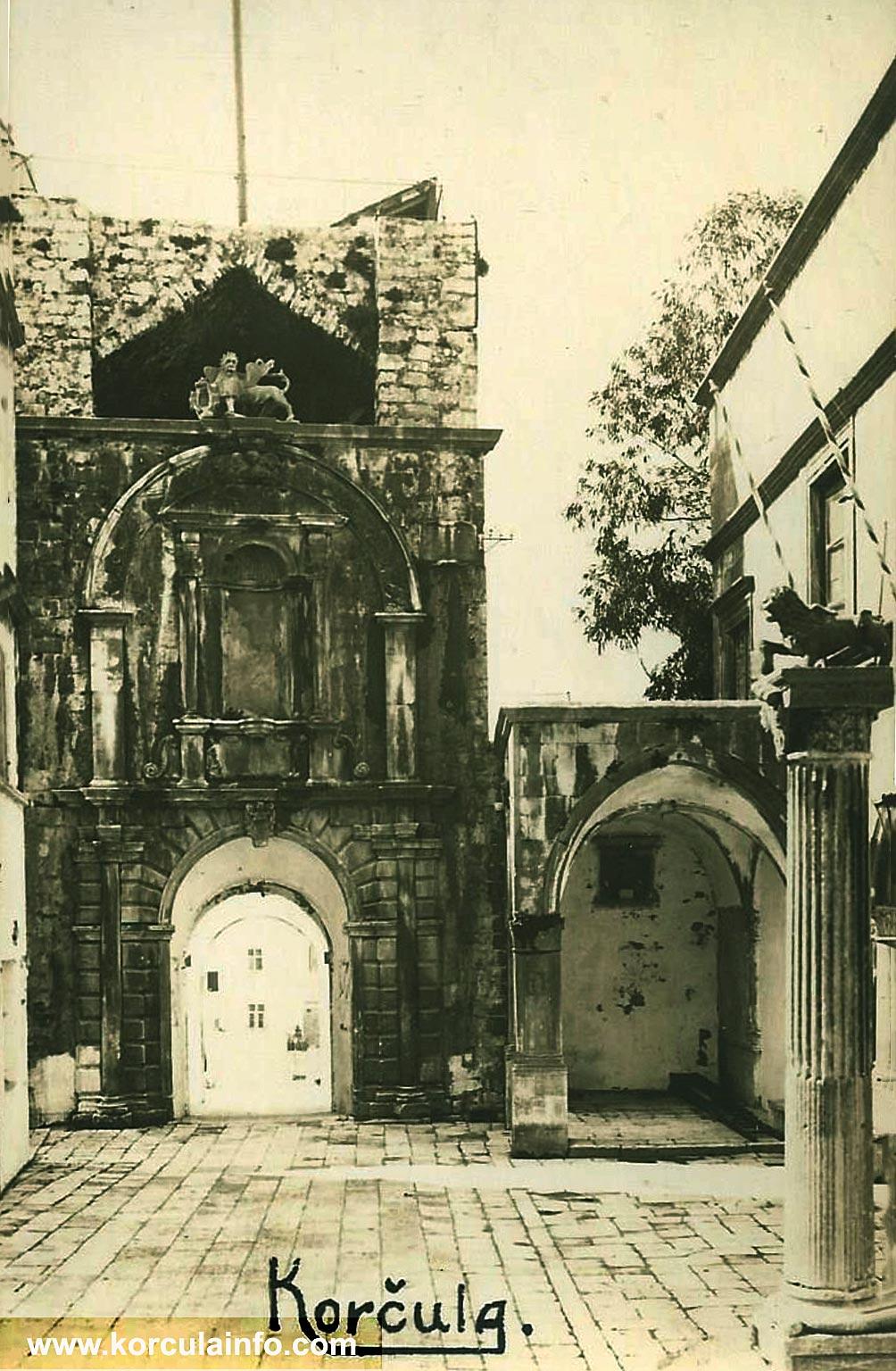 Square Trg Antuna i Stjepana Radica (1920s)