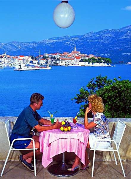 Eating al fresco @ hotels terrace