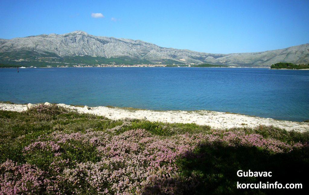 Beach on Gubavac with views over Archipelago